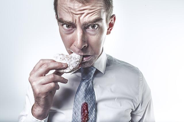 El atracón escondido. El peligro de las dietas del siglo 21